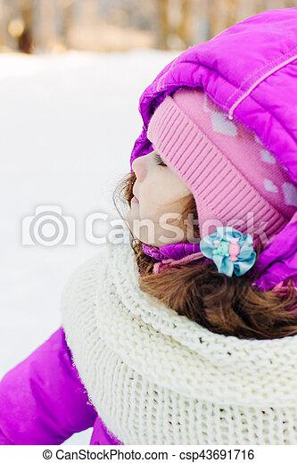 mignon, peu, parc, hiver, girl - csp43691716