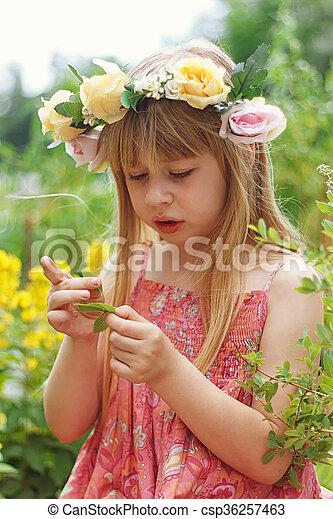 mignon, peu, pré, girl - csp36257463