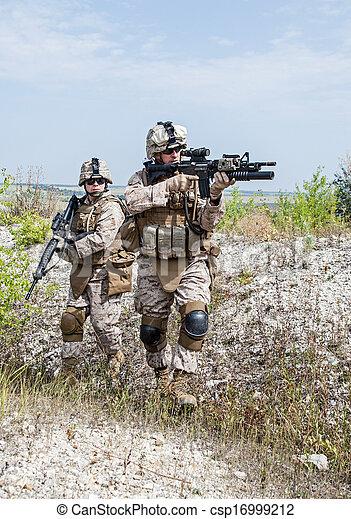 militär, operation - csp16999212