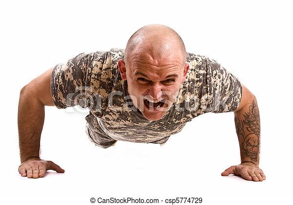 militär utöva, man - csp5774729