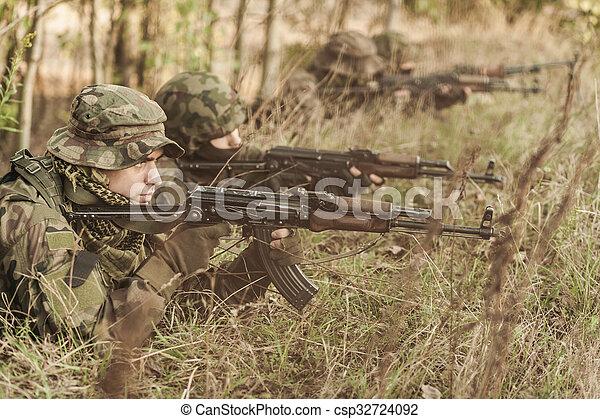 militär, utbildning, jord - csp32724092