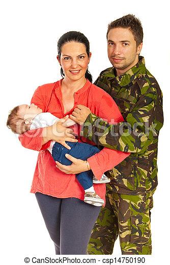 Un militar y su familia - csp14750190