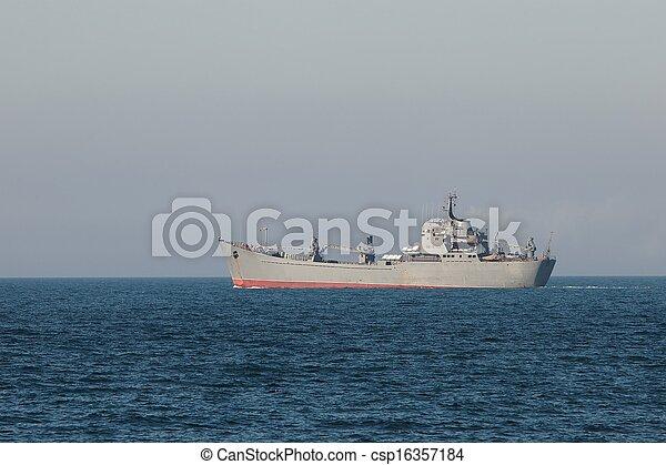 military hajó - csp16357184