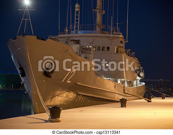 military hajó - csp13113341