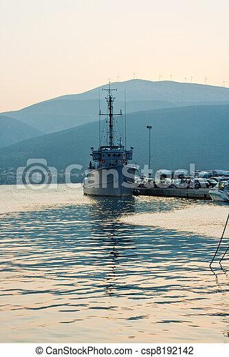 military hajó - csp8192142