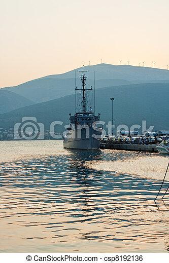 military hajó - csp8192136