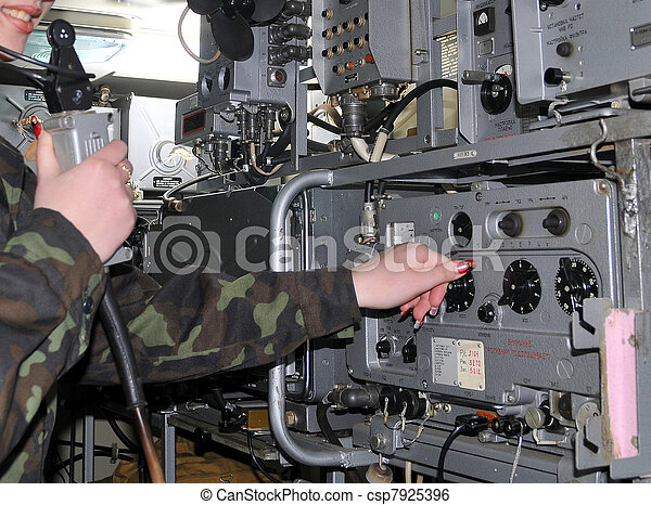 Funksprech F in addition Category Military telegraphy besides Appendix D moreover Go9 further TM 11 5825 271 340039. on transmitter army radio operator