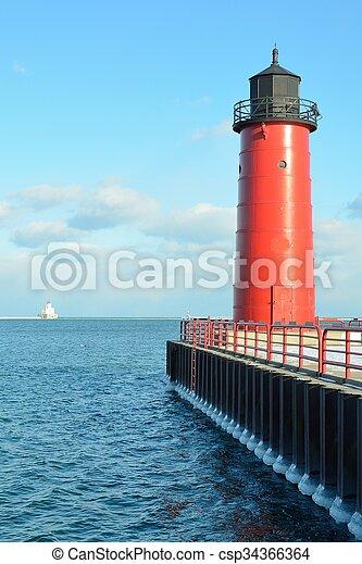 Milwaukee Pierhead Lighthouse - csp34366364