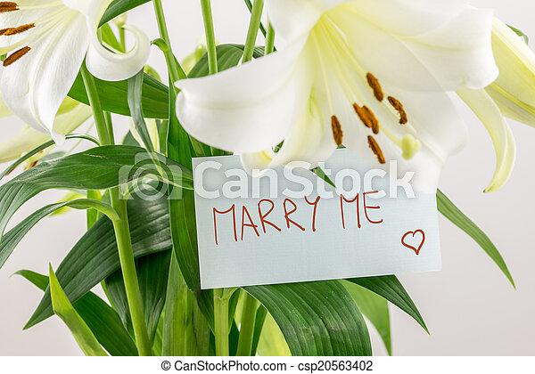 mim, casar - csp20563402