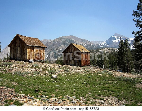 Miners 39 cabins in the sierra rustic cabins near an for Sierra nevada cabine