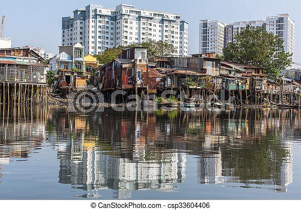Slums en la ciudad ho chi minh. Vietnam. - csp33604406