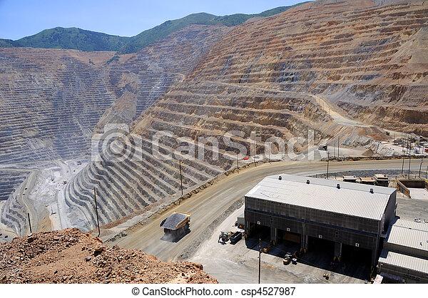 Mining Equipment Maintenance Shop at Bingham Kennecott Copper Mine - csp4527987