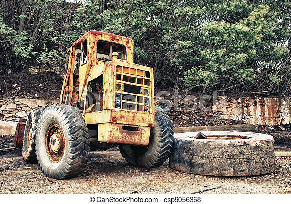 Mining truck and large tire - csp9056368