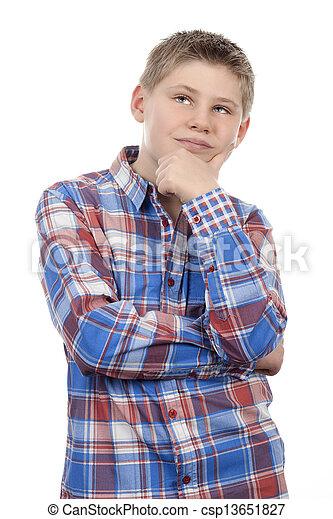 Un niño mirando hacia arriba - csp13651827