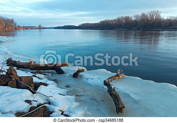 Mississippi River Thaw   - csp34685188