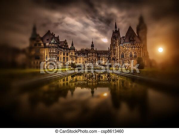misterioso, castello - csp8613460
