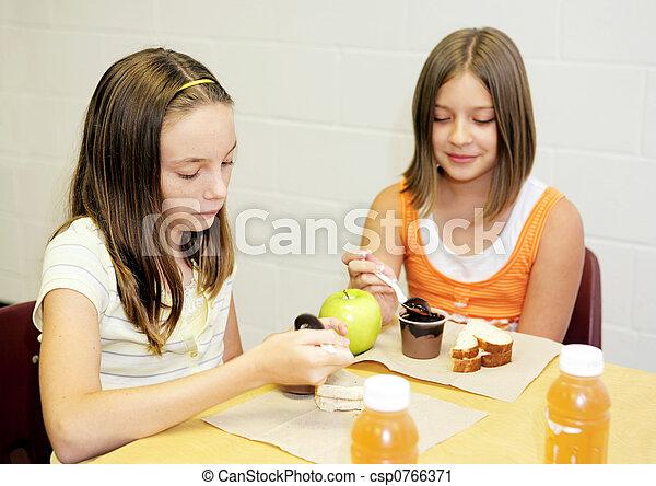 Tisch schule clipart  Stockfotografie von mittagstisch, schule, -, mädels, tisch ...