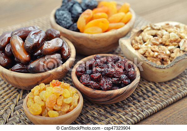 Mix of dried fruits - csp47323904