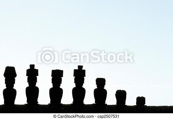 moai-, isla de pascua, chile - csp2507531