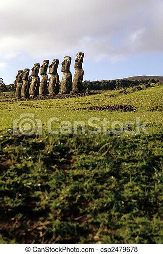 moai-, isla de pascua, chile - csp2479678