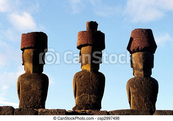 moai-, isla de pascua, chile - csp2997498