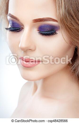 Modele Maquillage Beau Parfait Mode Regard Beaute Maquillage Haut Jeune Eleve Clair Femme Propre Peau Fin Canstock