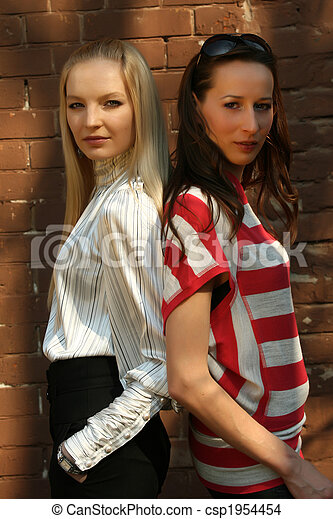 mode, deux femmes - csp1954454