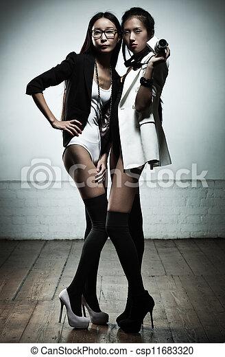 mode, femmes - csp11683320