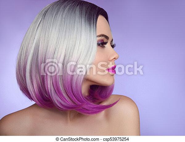 Modell Haircut Mode Schoenheit Bunte Lila Bob Frisur Blondiert Freigestellt Haar Hintergrund Frau Closeup Kurz Portrait Blond
