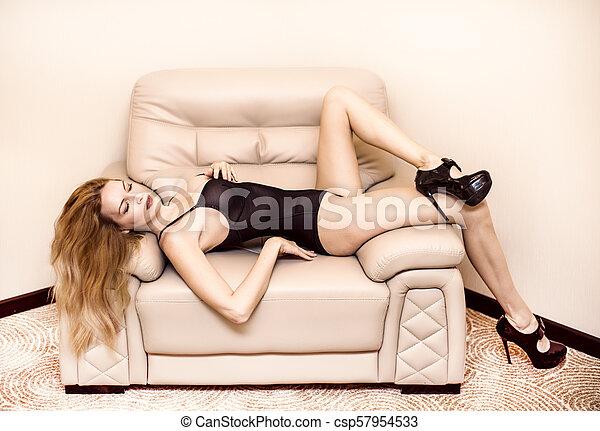 modelo, jovem, loura, mulher, bonito - csp57954533