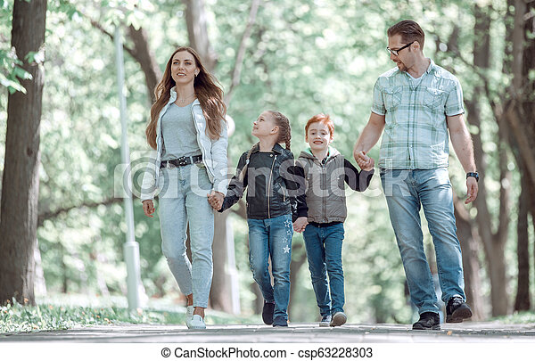 moderne, parc, famille, promenade - csp63228303