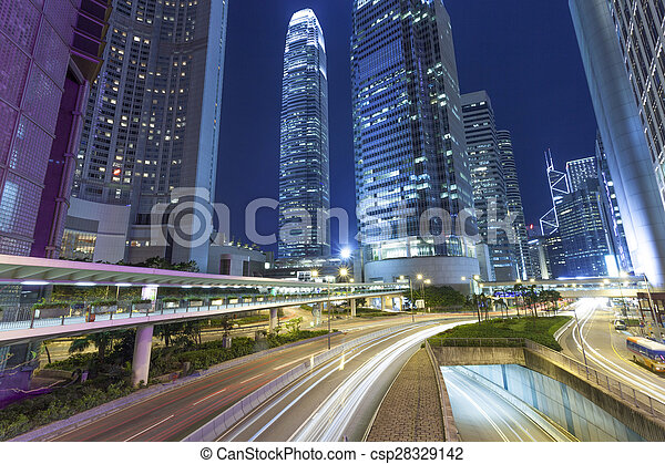 Rastros de luz en la calle moderna, Hong Kong. - csp28329142