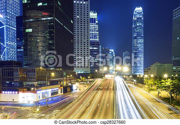 Rastros de luz en la calle moderna, Hong Kong. - csp28327660