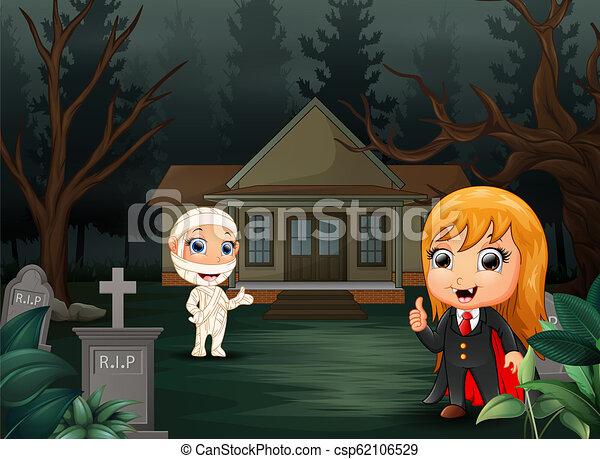 Feliz Halloween con los dibujos de vampiros y momias - csp62106529