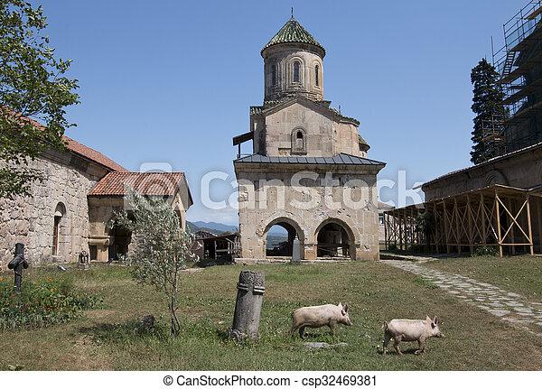 El monasterio Gelati en Georgia - csp32469381