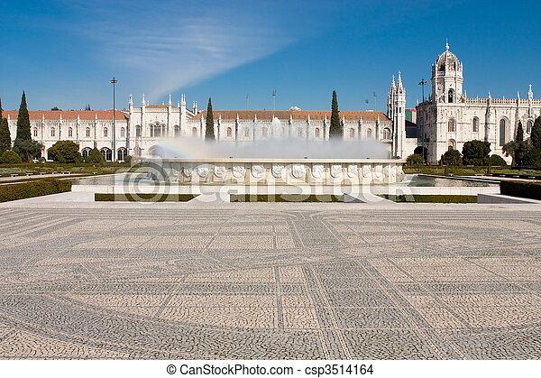 El monasterio de los jeronimitas está localizado en Lisbon Portugal. - csp3514164