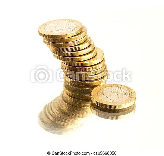 Moneda Euro - csp5668056
