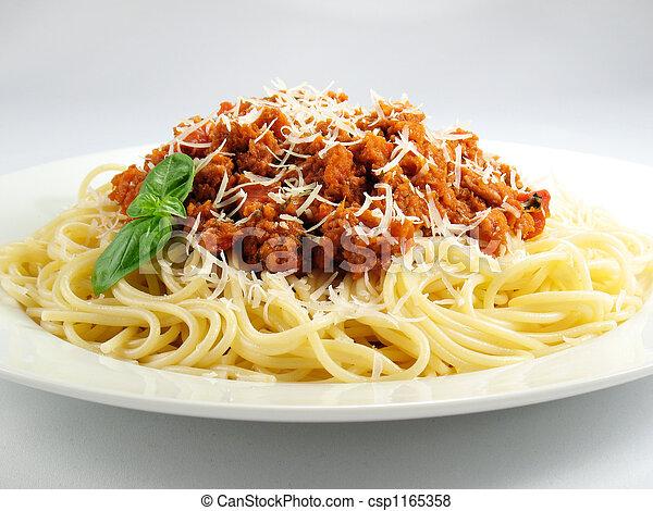 montón, espaguetis - csp1165358