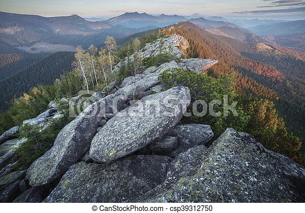 Montaña - csp39312750