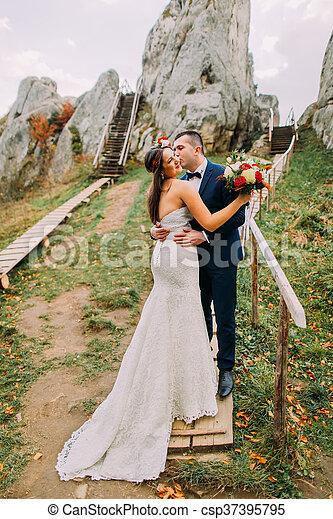 Montaña azul, el suyo, grande, novia, ramo, vestido, novio ...