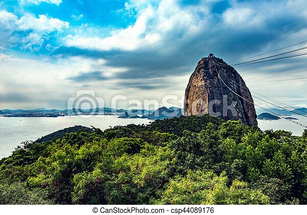 La montaña de pan de azúcar en Río de Janeiro - csp44089176