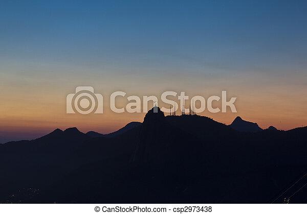 Vistas nocturnas de Jesús y Corcovado desde la montaña de pan de azúcar - csp2973438