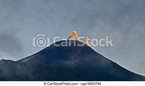 Montaña - csp19053794