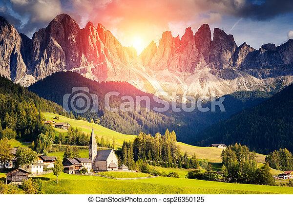 Un paisaje de montaña inusual - csp26350125