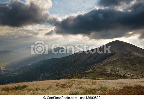 Montaña - csp13600829