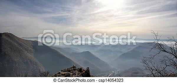 Montaña - csp14054323