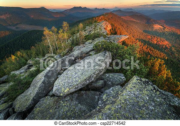 Montaña - csp22714542
