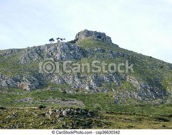 Montaña - csp36630342