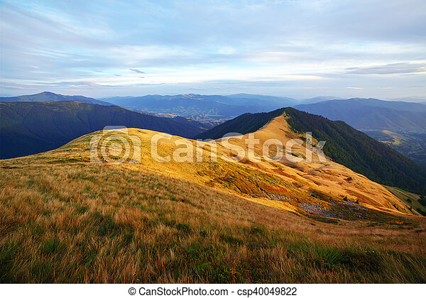 Montaña - csp40049822