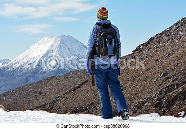 Montaña - csp38620968